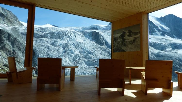 Cabane de Moiry Glacier de Moiry